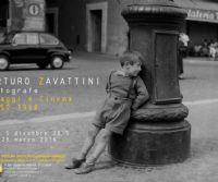 Locandina: Arturo Zavattini fotografo. Viaggi e cinema 1950 - 1960