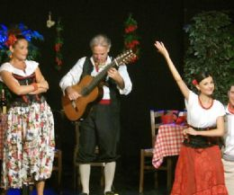 Locandina: Teatro Petrolini - Stagione estiva 2014