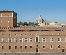 Locandina: Apertura straordinaria dei Saloni Monumentali di Palazzo Venezia