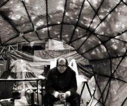 Locandina: Dentro e fuori