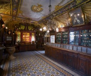 Locandina: Antica Farmacia Spezieria di Santa Maria della Scala a Trastevere. Apertura Straordinaria