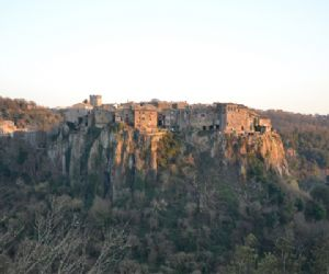 Locandina evento: Ricominciano le visite guidate al parco del Treja
