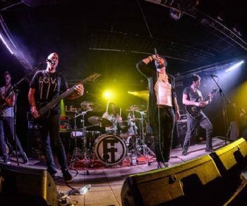 Concerti - New Disorder in concerto al Contestaccio