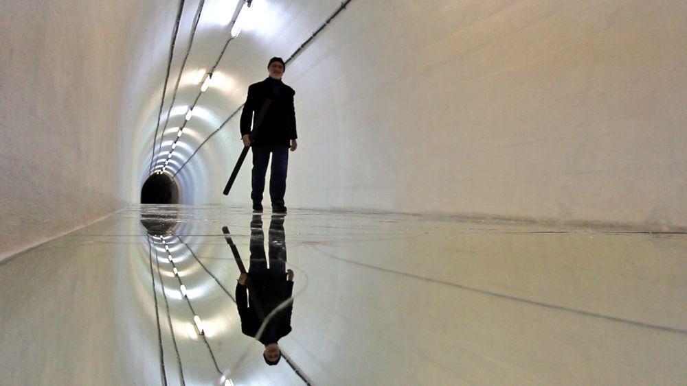Arte in video alfredo pirri e lo specchio degli inganni maxxi museo nazionale delle arti del - Lo specchio nell arte ...