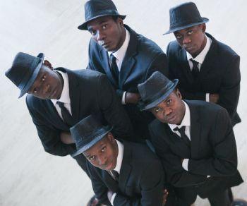 Cinque scatenati acrobati/ballerini che uniscono le loro origini africane al sound inimitabile del Rhythm & Blues