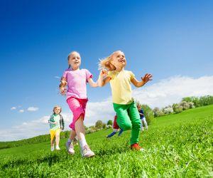 Una corsa campestre per adulti e bambini