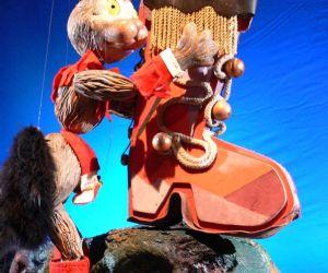 Teatro d'attore e di marionette a filo