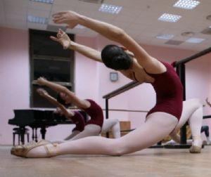 Altri eventi: Crashing Test  Prove di rodaggio di giovani coreografi sabato 9 aprile 2011