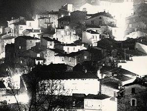 Mostre: Bianco e nero d'autore. Le foto di Mario Giacomelli al Museo di Roma in Trastevere