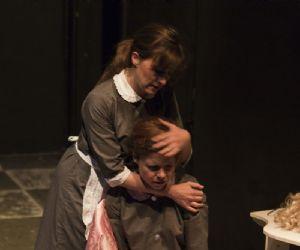 Spettacoli: Le Serve di Jean Genet, regia di Francesca Romana Cerri