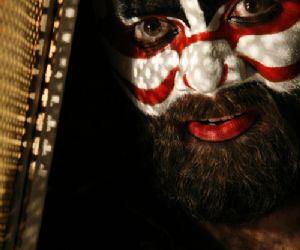 Spettacoli: Bestiario - Spettacolo Vincitore del Castelbuono Teatro Festival 2011