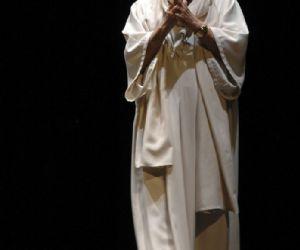 Spettacoli - Giorgio Albertazzi al Teatro Parioli Peppino De Filippo in Memorie di Adriano