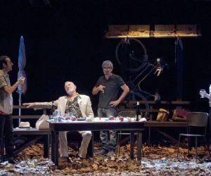 Spettacoli - Al Teatro Nuovo Colosseo terzo appuntamento della rassegna Il Teatro dell'Eccesso: Il Maestro