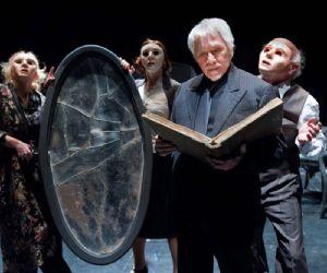 Spettacoli - versione teatrale di Tato Russo dal romanzo di Luigi Pirandello