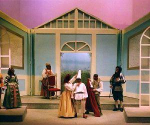 Spettacoli - La Compagnia del Théâtre de l'éventail presenta uno spettacolo bilingue