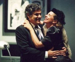 Spettacoli - Una commedia di Barry Creyton con Pamela Villoresi e Pietro Longhi