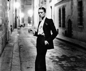 Mostre: HELMUT NEWTON - White Women, Sleepless Nights, Big Nudes. 200 immagini di uno dei fotografi più emblematici del XX secolo