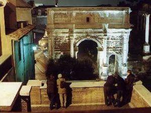Visite guidate: Passeggiando con gli Imperatori sotto un cielo stellato dal Campidoglio al Colosseo attraverso i Fori Imperiali