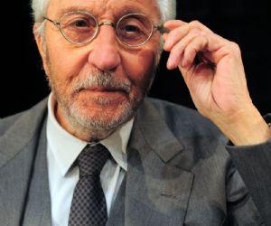 Spettacoli - Al Piccolo Eliseo Patroni Griffi Pino Caruso interpreta la famosa commedia di Pirandello