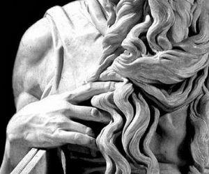 """Visite guidate - San Pietro in Vincoli e la """"tragedia della sepoltura"""" di papa Giulio II"""