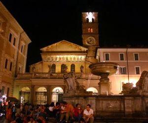 Visite guidate - Itinerario: Da Piazza Trilussa a Piazza Santa Maria in Trastevere, attraversando i tipici vicoli del rione