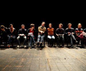 Spettacoli - giovedì 28 novembre, al Teatro Valle occupato, con Bésame Mucho di Javier Daulte, parte la rassegna Orazio, mise en espace di testi di nuova drammaturgia