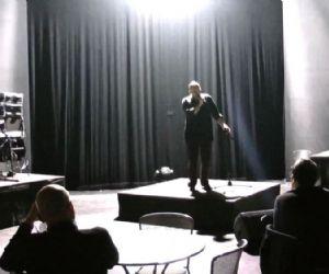 Spettacoli - Cronachette di civile apartheid