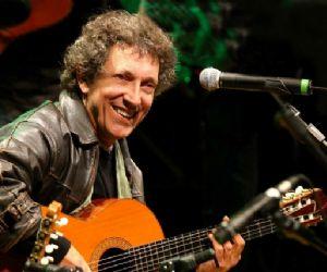 Concerti - Il folk meridionale di Eugenio Bennato dal vivo al Rising Love
