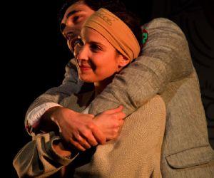 Spettacoli - Commedia liberamente tratta da Coppia Aperta, quasi spalancata di Dario Fo e Franca Rame