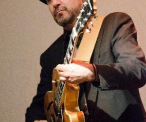 Locali - La chitarra jazz di Alex Fraternali dal vivo all'Elegance Cafè