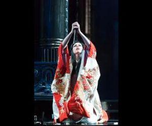 Spettacoli - La struggente attesa della giovane geisha di Nagasaki in diretta via satellite nei cinema Barberini, Lux e Odeon
