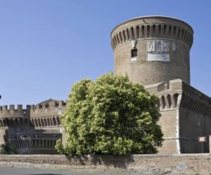 Visite guidate - Il Castello di Giulio II nel Borgo di Ostia antica