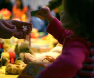 Solidarietà e utilizzo consapevole: il baratto dei giocattoli, per regalare il Natale a tutti i bambini