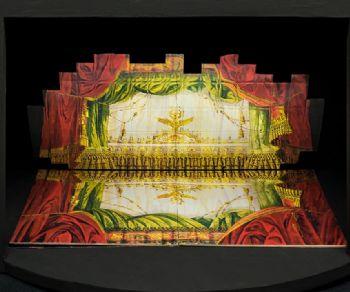 Mostra diffusa per esplorare la storia dell'architettura teatrale attraverso ricostruzioni tridimensionali, plastici, disegni e videoinstallazioni