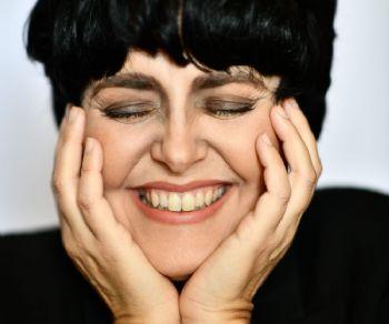 Mimì: spirito e voce. Melania Giglio interpreta Mia Martini