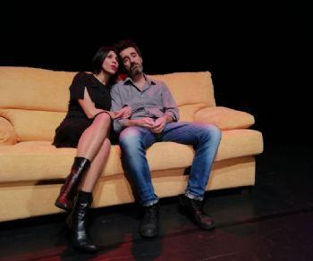 Uno spettacolo vietato (ma non troppo) ai minori, che fa ridere (tanto), che spia disavventure, vizi e virtù di una coppia 'Sandra & Raimondo 2.0'
