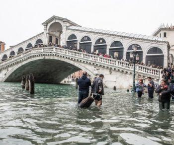 Una mostra fotografica di Greenpeace Italia al Museo di Roma in Trastevere racconta gli impatti dei cambiamenti climatici