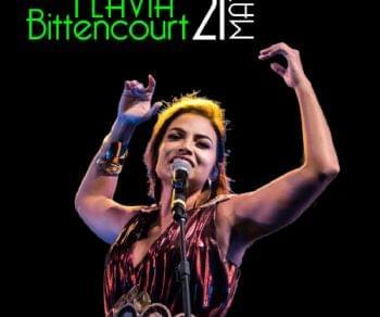 Locandina: FLÁVIA BITTENCOURT VERSATILITA' CHE VA OLTRE LA MUSICA BRASILIANA