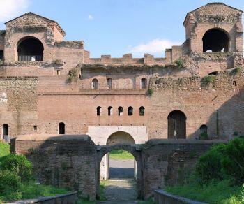 Visite guidate - San Giovanni: il camminamento delle Mura Aureliane e la Stazione Museo
