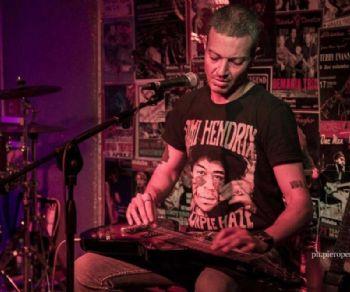 Locali: Andrea De Luca Blues Trio 2.0