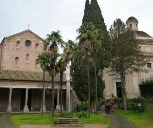 Visite guidate: L'Abbazia delle Tre Fontane, la sorgente delle Acque Salvie e la fabbrica di cioccolato dei Frati Trappisti
