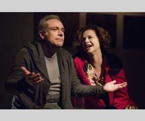 Enzo Decaro e Anna Galiena interpretano l'opera di Norm Foster