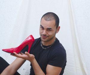 """Spettacoli - Mirko Darar in """"Le parole per dirlo – Che sono gay ve l'ho detto?"""""""