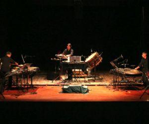Percussioni, tastiere, sax, live electronics e luci per un particolarissimo concerto