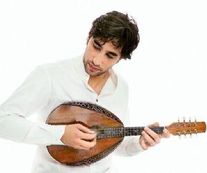 Debutta a Roma la star internazionale del mandolino