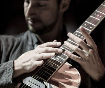 L'incontro con le chitarre di Giovanni Baglioni e Flavio Sala