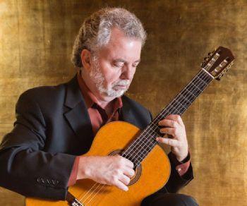 Il grande virtuoso della chitarra torna a Roma