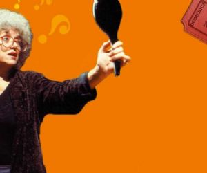 La comica Grazia Scuccimarra punta il dito contro i paradossi di oggi