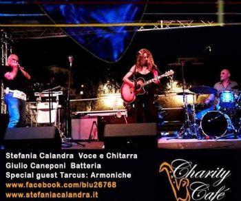 Locali: Stefania Calandra in Blu 2 feat