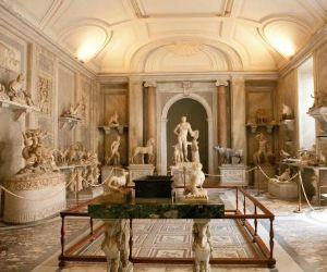 L'esposizione delle opere d'arte recuperate dal Comando Carabinieri per la Tutela del Patrimonio Culturale